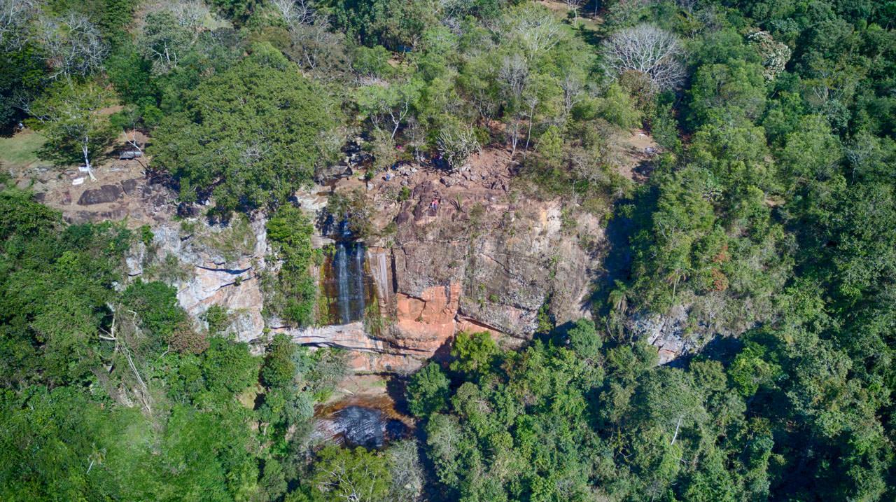 Wasserfall mit Drohne fotografiert