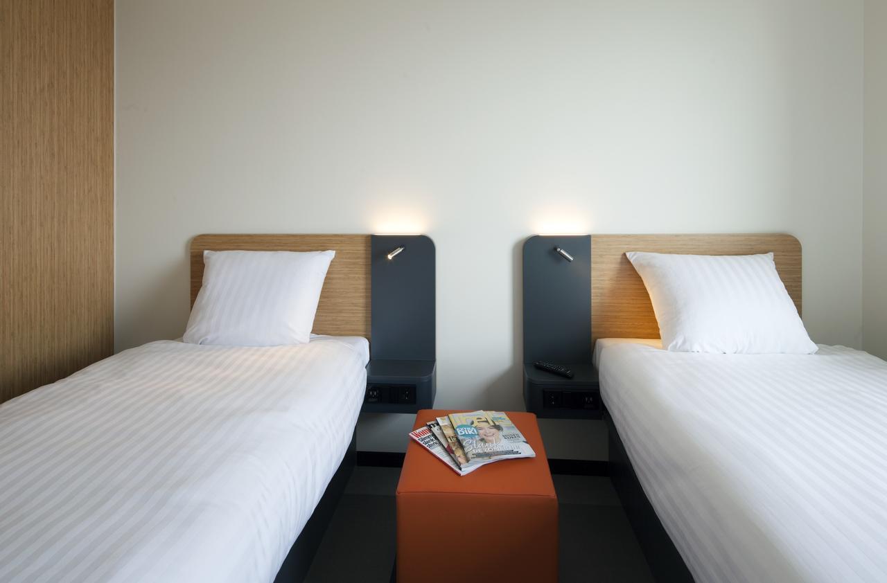 Die Lage des Hotels ist sehr gut, die Zimmer sind sehr sauber und sauber. Schwule Papa hausgemachte Pornos